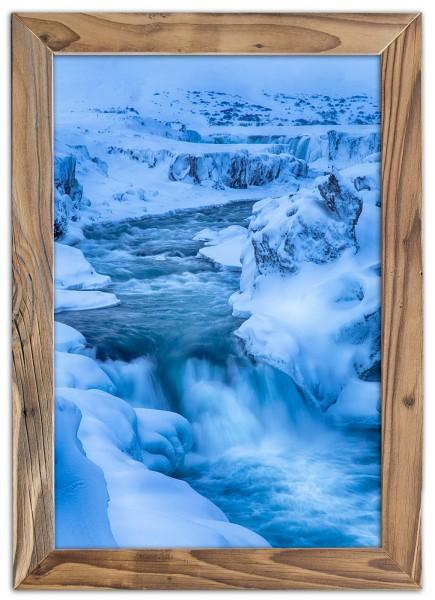 Wasser und Eis im Altholzrahmen