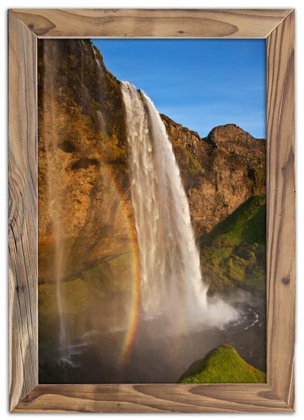 Der Seljalandsfoss ist ein Wasserfall im Süden Islands