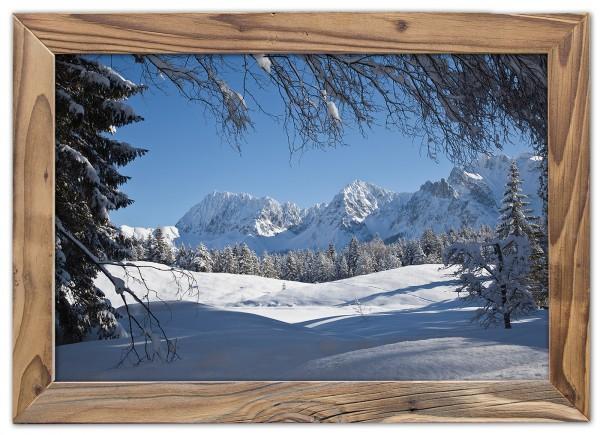 Karwendel im Schnee im Altholzrahmen