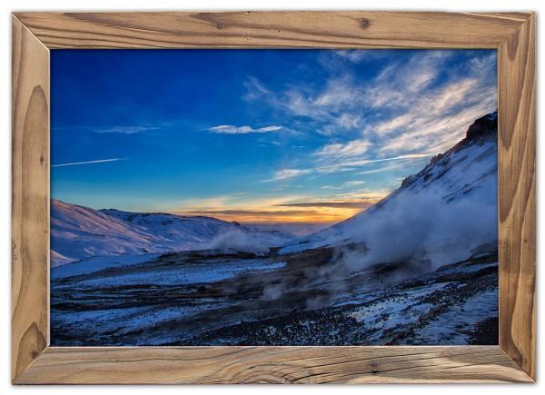 Dampfendes Bergtal